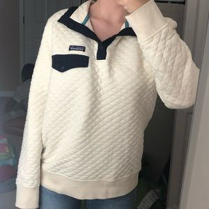 Cute navy and cream Patagonia half zip sweater